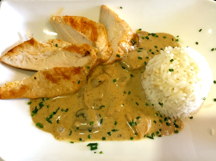 Chicken with Champignon Sauce