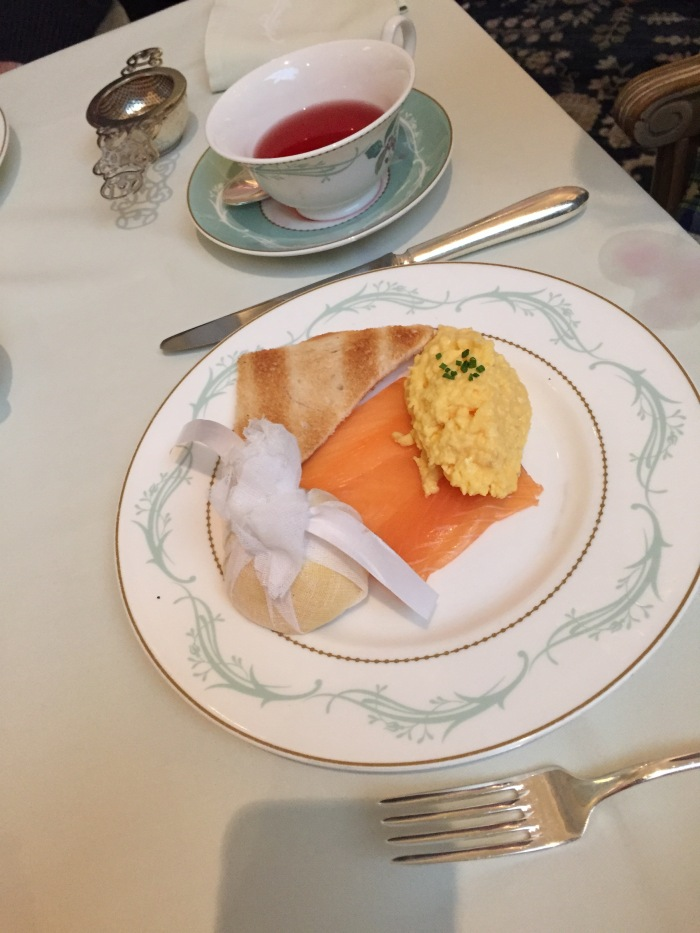 Smoked Salmon with Scrambled Eggs and Melba Toast
